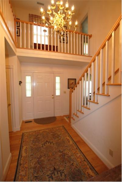 Dramatic foyer open to the 2nd floor