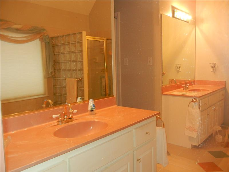 Master Bath w/ separate vanities
