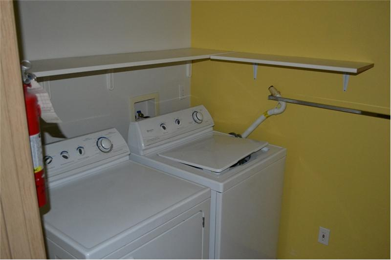 Full Size Washer & Dryer in Laundry Room