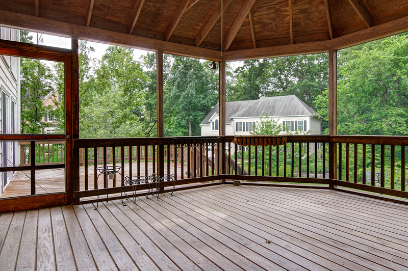 Enclosed screened in porch