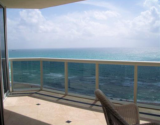 Blue & Green Diamond- direct ocean views from the terrace
